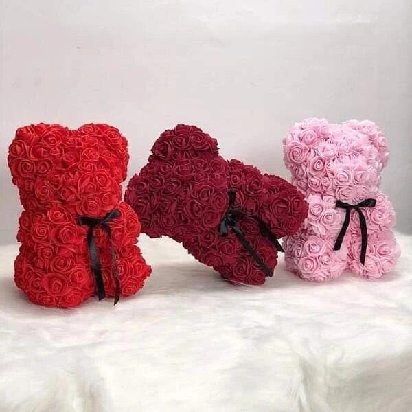 ourson en roses eternelle - Un nounours en roses comme bouquet fleur en cadeau à Saint-Valentin