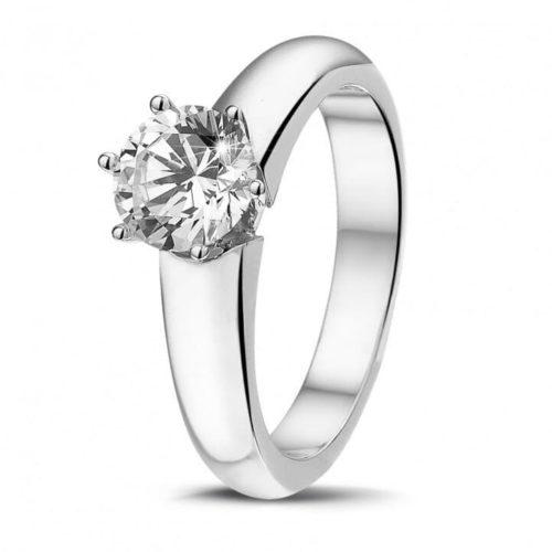 x0 90 carat bague de fiancailles diamant solitaire en platine avec six griffes e1611670199498 - Les dernières tendances des bagues de fiançailles