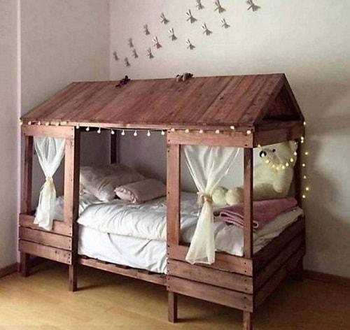 lit palette 602f8b6ee7d74 - Idées inspiration de chambre à coucher en palette de bois à essayer!