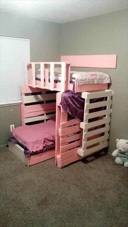 lit palette 602f8b6f7696d - Idées inspiration de chambre à coucher en palette de bois à essayer!