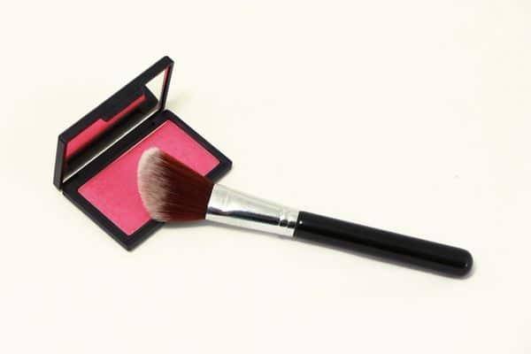 maquillage femmes 50 ans 603271c30861e - 20 astuces de maquillage faciles pour les femmes de plus de 50 ans