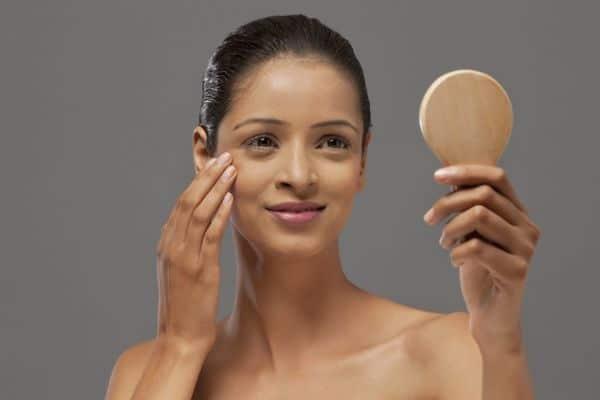 maquillage femmes 50 ans 603271c376485 - 20 astuces de maquillage faciles pour les femmes de plus de 50 ans