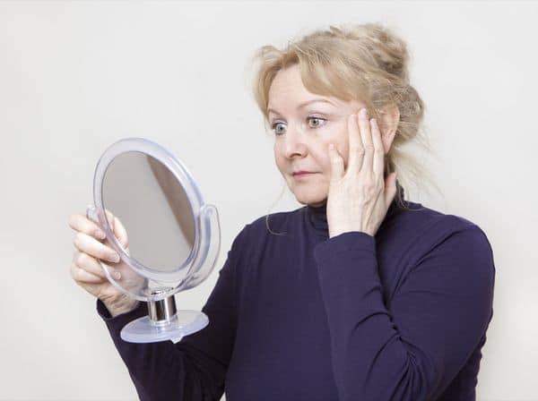 maquillage femmes 50 ans 603271c3d457e - 20 astuces de maquillage faciles pour les femmes de plus de 50 ans