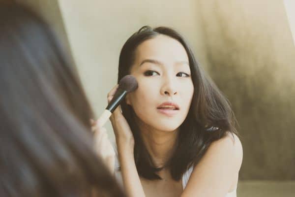 maquillage femmes 50 ans 603271c4e22e5 - 20 astuces de maquillage faciles pour les femmes de plus de 50 ans