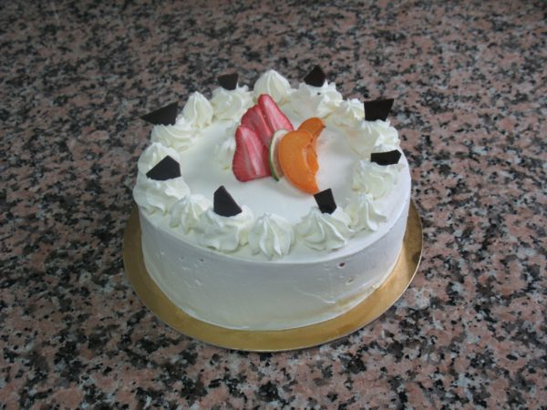 500ca101623b14c72d81df66d27839aa914ee809.00000119 scaled e1615908385857 - Pâtisserie Perruche - Boulangerie - Chocolaterie - Crottet