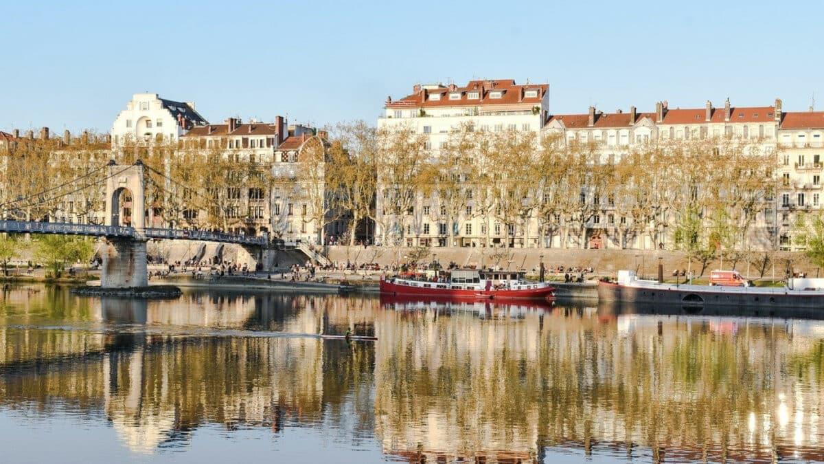 57f739af2c1b10be8fdcb43a5cc618ab 1200x675 - Prenez du bon temps dans un hôtel à Lyon pour vous retrouver entre copines