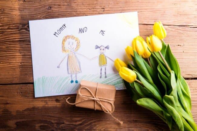 idees cadeaux fetes ueres 650x434 - Des idées de cadeaux bien-être pour rendre heureuse toutes les mamans