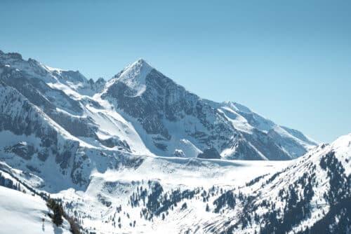 montagne enneige paysage 500x334 - Le voyage de demain : les nouvelles aspirations des Français à l'ère de la pandémie