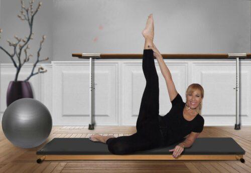 woman 1661548 1920 500x345 - Apprendre le Pilates à domicile pour développer une force physique et mentale