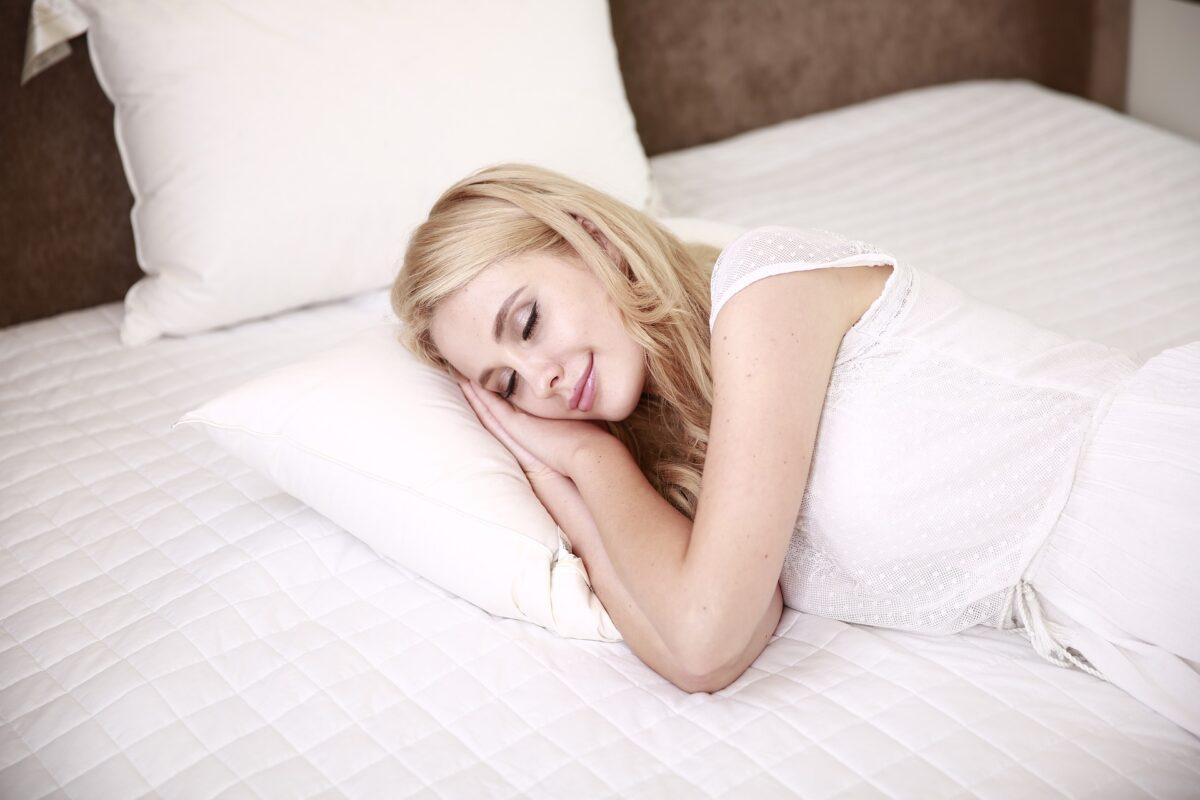 people 2537324 1920 1200x800 - Matelas Emma : lequel choisir pour un sommeil sans stress ?