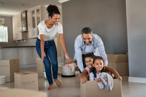 demenagement famille 500x333 - Gérer le déménagement de toute la famille