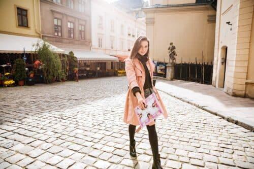 choix manteau femme 500x333 - Comment choisir son manteau femme selon son look et sa morphologie