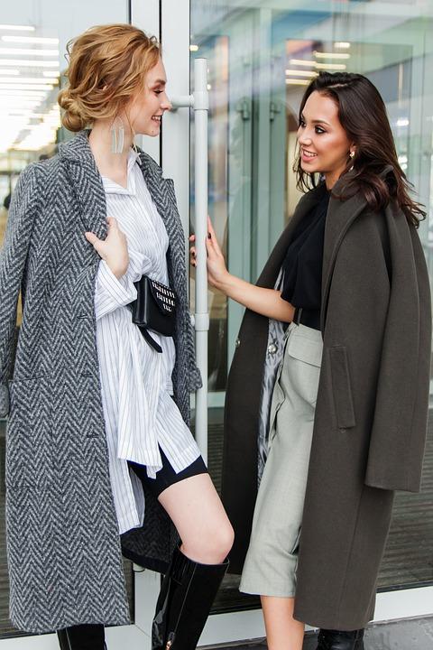 fashion 3805027 960 720 - Comment choisir son manteau femme selon son look et sa morphologie