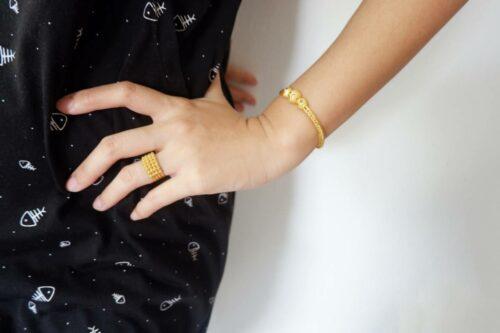bracelet jonc une idee de cadeau ideale 500x333 - Bracelet jonc : une idée de cadeau idéale !