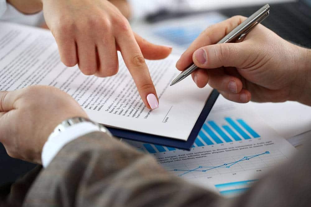 contrat travail - Nouvelle entrepreneuse ? Tout savoir avant d'embaucher son premier salarié