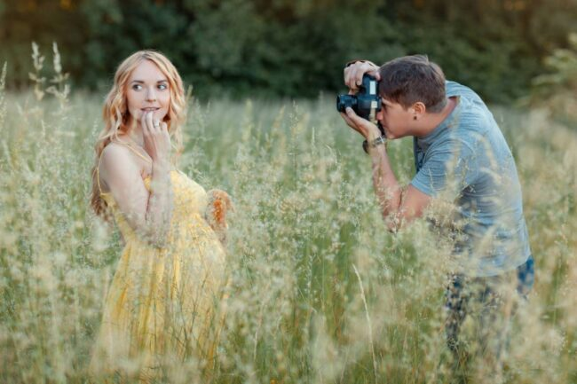 img photographe grossesse 650x433 - 10 raisons de faire appel à un photographe pour sa grossesse