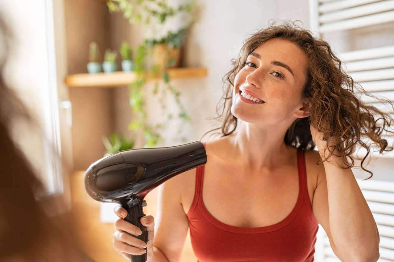 media faciliter produits - Cheveux bouclés : 5 produits pour faciliter le coiffage